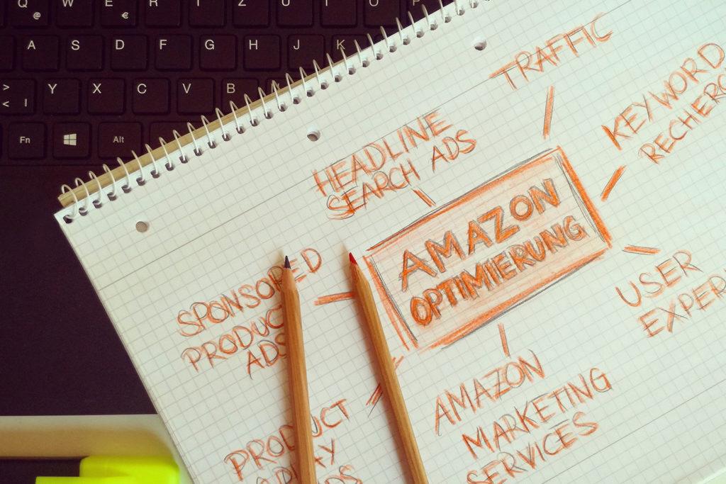 Amazon Werbung und A+ Content – so lohnt sich Amazon Werbung auch für dich Als Werbeagentur im Saarland sind wir auch deine Agentur für Online Marketing. Wir haben dementsprechend durch Fortbildungen gelernt, wie unsere Kunden durch die Seller Central bei Amazon die Umsätze steigern können. Amazon bietet einige Vorteile, denn neben der bereits bestehenden immensen Reichweite kann auch, wie in einem eigenen Shop, sogenannter A+ Content angelegt werden. Dieser ermöglicht, durch die Zuweisung von ASINS genau an der Stelle deine Produkte durch individuell gestaltete Einkaufswelten noch attraktiver für Kunden zu machen. Denn bereits seit dem Erfolg von Instagram wissen wir, dass Bilder und Geschichten Menschen einfach bewegen. Gleiches gilt natürlich auch für Produkte, denn jede Marke, jedes Produkt und eben jedes Unternehmen hat eine Geschichte, die es zu erzählen gilt. Darüber hinaus können auch die Texte des A+ Contents durch professionelle SEO Optimierung einer qualifizierten Werbeagentur zu höherer Auffindbarkeit bei Amazon führen.